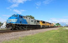 NS 4001 leading a transfer through Melrose Park IL to Proviso. (AdamElias14) Tags: ns4001 norfolksouthern melroseparkil upgenevasub ac44cw dctoac