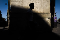 * (Christophe.Frossard) Tags: leica summilux 28mm christophefrossard fullframe uncropped nonrecadre streetphotography street mattanga mirrorless paris shadows