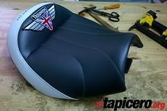 tapizado-asiento-moto-triumph-rocket-3 (Tapizados y gel para asientos de moto) Tags: triumph rocket tapizar asiento moto