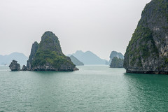 Halong Bay Cruise, Vietnam (takasphoto.com) Tags: 2870 asia bahiadehalong baitulongbay bienong catba campha descendingdragonbay earth floatingfishingvillage halong halongbay halongbay indochina karst lens malaccastraits mar mardelachina mare marginalsea mer nature nguyentrai nikkor nikkor2870mmf28d nikkor2870mmf28dedifafszoomlens nikon ocean oceansea oceano outdoor pacificocean professionallens quangninh quangninhprovince sea seascape southchinasea southchinaseaislands southeastasia straitoftaiwan transportation travel travelphotography trip unescoworldheritage