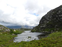Loch na Thull, North West Sutherland, July 2016 (allanmaciver) Tags: loch na thull north west sutherland rock mountain cloud low viewpoint dark shadows light road allanmaciver