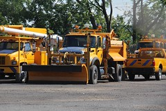 NYSDOT Harbor Lock (4) (RyanP77) Tags: nysdot newyorkstatedepartmentoftransportation international mack granite plow snowplow snow larue blower dump truck dot new york viking cives henderson trucks trucking removal equipment