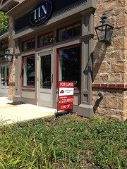 Tin Bakery for lease (dankeck) Tags: closed outofbusiness