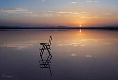 (Jairen_) Tags: reflejo silla salinas torrevieja sunset puesta de sol