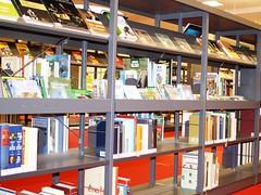 Stadtbibliothek Bielefeld (Fachstellen fr ffentliche Bibliotheken NRW) Tags: innenarchitektur bibliothek nrw bielefeld einrichtung stadtbcherei bcherei stadtbibliothek ausstattung fachstellefrffentlichebibliothekennrw stadtbibliotheken stadtbchereien stadtbibliothekbielefeld bibliothekeninnrw