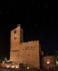 Velas y estrellas (www.justigarcia.com) Tags: pedraza velas nocturna noche castillo segovia estrellas