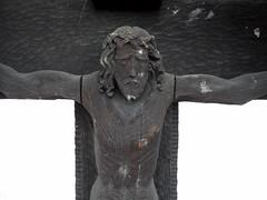 Hatzenport - Jesusfigur aus Holz (onnola) Tags: hatzenport rheinlandpfalz deutschland rhinelandpalatinate germany mayenkoblenz eifel moseltal jesus christus jesuschristus gekreuzigt christ skulptur sculpture holz wood gesicht face leiden