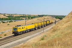 Tonos de amarillo (Diaz269) Tags: tren amolador speno rr32 m5 rr32m5 spenorr32m5 train ferrocarril railway ffcc madrid comunidad de comunidaddemadrid espaa spain europa europe luis daz luisdaz daz269