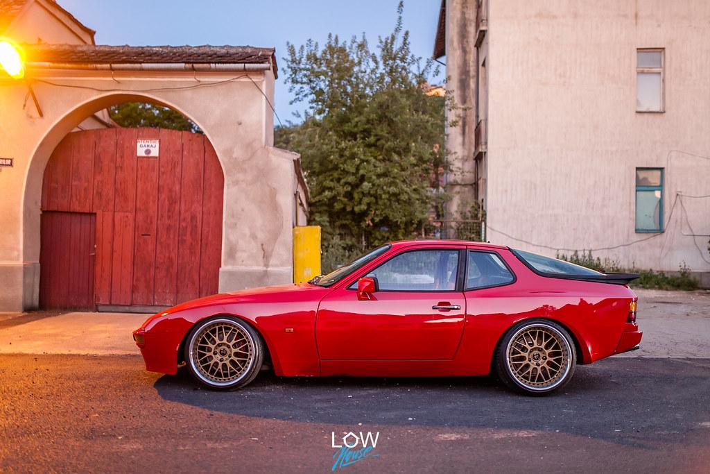 Porsche 944 stance
