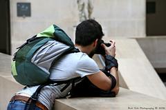 Photographer @ Louvre, Paris (Rick & Bart) Tags: paris france city urban louvre museum historic rickvink rickbart guy man male everydaypeople people stranger candid crack photographer canon eos70d gnneniyisi thebestofday