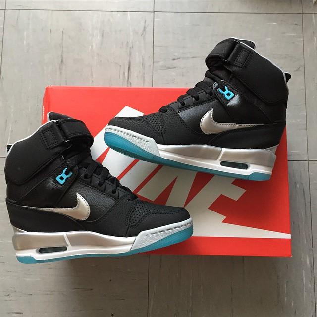 Jai craqué ! Elles sont a moi mtn ! 😍 #Shoes #Nike #Craquage #OnNeVitQuUneFois #InLove #MylittleBox
