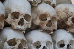 071-Cambodia (Beverly Houwing) Tags: skulls cambodia torture phnompenh imprisonment interrogation khmerrouge polpot kampuchea choeungek killingfield