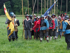 Hampton Court 1640's - 20 (Row 17) Tags: uk unitedkingdom gb greatbritain britain england herefordshire reenactment event 1640s sealedknot people men man militia candid