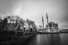 - Ortakoy Cani - (Mr. LookUP) Tags: bw building water architecture clouds canon blackwhite movement cloudy streetphotography wideangle mosque 1022mm urbanphotography longtimeexposure longshutterspeed blackandwithe nd1000 60d