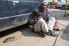 INDIA7834 (Glenn Losack, M.D.) Tags: india delhi rats beggars poor streets people photojournalism