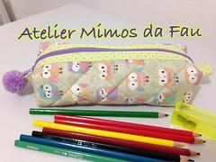 Estojo Escolar (Atelier Mimos da Fau) Tags: portalpis estojoescolar corujas pompom