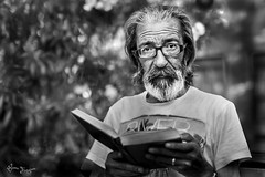 Jose Luis o la vida en la calle (Bruno Frerejean (Bruno Mallorca)) Tags: streetphotos palmademallorca portrait blackwhite blancoynegro homeless gente people sigma50mmf14art sansabris