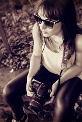 2016-07-30_03-59-40 (jessy.printz) Tags: portraitdefemme portrait womanportrait naturallight lumirenaturelle blackandwhite blackandwhitephotography noiretblanc