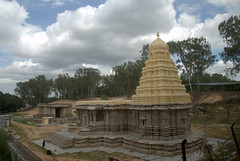 Kirtinarayana temple (VinayakH) Tags: talakad karnataka india temple hindu chola gangadynasty hoysala carvings vaidyeshvara kirtinarayana