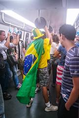 Halteres de torcedor (epougy) Tags: torcedor metrô olimpíadasrio2016 bandeiradobrasil