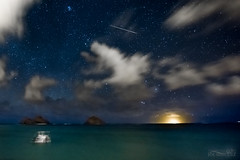 2016 Perseid Meteor Shower over Hawaii (The Smoking Camera) Tags: astrophotography hawaii oahu lanikai beach kailua ocean night meteor perseid shower 2016 sky clouds longexposure nikon d810a 1424mm ufo makes macula islands windward astronomy pleiades
