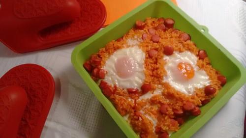 Arroz al horno con huevos escalfados