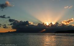 Guadeloupe (johnfranky_t) Tags: sunset sea clouds t soleil mar tramonto à mare sailing coucher du di guadalupe vela sole voile navigation sunbeams raggi lumiz tz5 johnfranky
