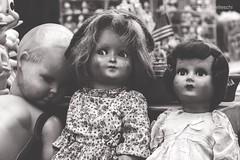 Old Dolls (Elisa Gabbrielleschi) Tags: hello old florence nikon doll dolls antique fair used antica tuscany toscana antiquariato elisa bambole fiera vecchie usate d7100 elisagabriel gabbrielleschi helloelisagabriel