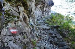 Valle dei Ratti (SO) (Giorsch) Tags: italien italy alps landscape italia camino outdoor hiking mountainbike tunnel biking alpen landschaft alpi montagna lombardia wandern galleria sangiorgio schiene wanderweg binari gleis deich diga talsperre valchiavenna staudamm lombardei tracciolino decauville provinciadisondrio novatemezzola lagodimezzola caminare campomezzola valledeiratti moledana fahrradstrecke langbeardnaland digadimoledana