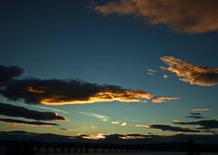 Sun setting (nz_willowherb) Tags: sunset sky clouds scotland colours fife dundee angus tay railbridge
