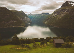Geiranger (Manadh) Tags: norway westernnorway landscape view geiranger fjord mountain pentax k3 sigma 1835mm manadh clouds cabin