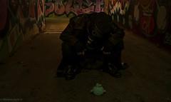 Psychose (2) (Morwenn Halia D.) Tags: psychose enfance peluche lapin bleu tags tunnel masque gaz casquette couleurs steam goggles