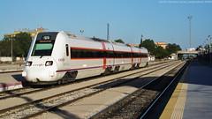 Granada desapareguda (tunel_argentera) Tags: tren train ferrocarril railway zug renfe adif regional 598 md granada