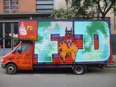 FD crew : graffiti van (2016) (Archi & Philou) Tags: fdcrew graffiti streetart graffitivan paris11 chien dog