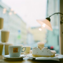 Coffee time:-) (Saori_) Tags: cake cafe coffee rolleiflex film czech prague praha