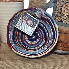 "Small Table Basket #0676 • <a style=""font-size:0.8em;"" href=""https://www.flickr.com/photos/54958436@N05/18079966239/"" target=""_blank"">View on Flickr</a>"
