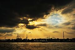 ... (neerod81) Tags: thankyoumuuuchforyourhelp yousorock sky dramatic clouds rhine rhein fluss fair kirmes wolken