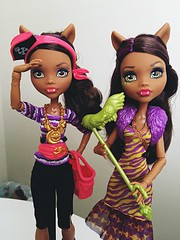 Picked up these two Clawdeens today at TRU with the BOGO 40% off  I'm honestly so thrilled over the whole Shriekwrecked line. The WTMH Clawdeen is so cute though too (Venus_Forever) Tags: welcome shriekwrecked 2016 clawdeen reboot new mattel doll dolls high monster