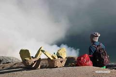 Au sommet du volcan  Kawah Ijen,  l'est de Java (jeanmarcdurrieu) Tags: indonsie durrieu java kawah ijen volcan souffre