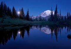moonset on tipsoo lake (Donald L.) Tags: moonset tipsoo lake moon setting blue hour dawn mount rainier park reflection mountain snowcapped tree