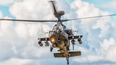 Apache Gunship (WeeMac1) Tags: attackhelicopterdisplayteamfarnboroughairshow2016 apachegunship helicopter gunship attack display team farnboroughairshow2016