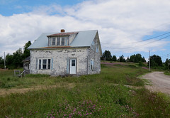 An old homestead in Belle-Anse, Qubec (Ullysses) Tags: homestead abandoned maisonfantome qubec canada gaspesie summer t belleanse
