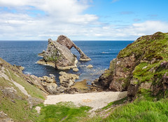 Bow Fiddle Rock (Mac ind g) Tags: portknockie summer beach scotland moray arch landscape seaside holiday shore