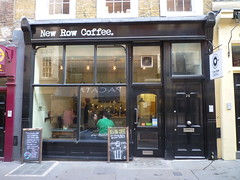 201504053 London City of Westminster (taigatrommelchen) Tags: street city uk urban building london cafe cityofwestminster 20150414