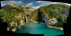Gorge from bridge (JohnSeb) Tags: autostitch lake france water composite lago see meer lac gorge  johnseb jezioro s  eurotour2012
