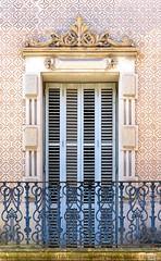 Barcelona - Homer 029 c (Arnim Schulz) Tags: barcelona espaa art window architecture liberty ventana spain arquitectura arte fenster kunst catalonia finestra artnouveau gaud architektur catalunya espagne fentre modernismo catalua spanien modernisme jugendstil espanya katalonien stilefloreale belleepoque baukunst