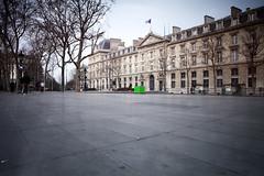The green box (karholle) Tags: paris color green canon place box lee rpublique couleur stopper longuepose eos5dmarkii bigstopper