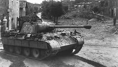 Panther '401' from I.Abteilung/Panzer-Regiment 4 in northern Italy during late summer 1944.