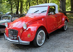 CITROEN 2CV Cabriolet Hoffmann (xavnco2) Tags: fte andelle 2016 forgesleseaux seinemaritime normandie normandy france rassemblement voitures anciennes old french car meeting cars classic automobile autos citron 2cv cabriolet hoffmann rouge red convertible spider cabrio