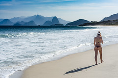 Praia de Camboinhas (mcvmjr1971) Tags: woman sexy ass praia beach nature brasil riodejaneiro mar seaside nikon mulher dental bikini fio litoral bunda niteri camboinhas sossego regioocenica d7000 mmoraes
